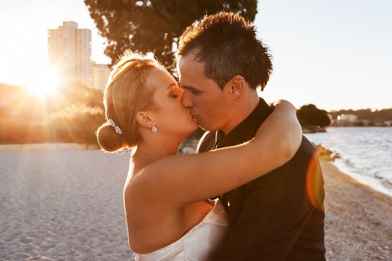 perth wedding photographer south perth wedding image of bride and groom kissing