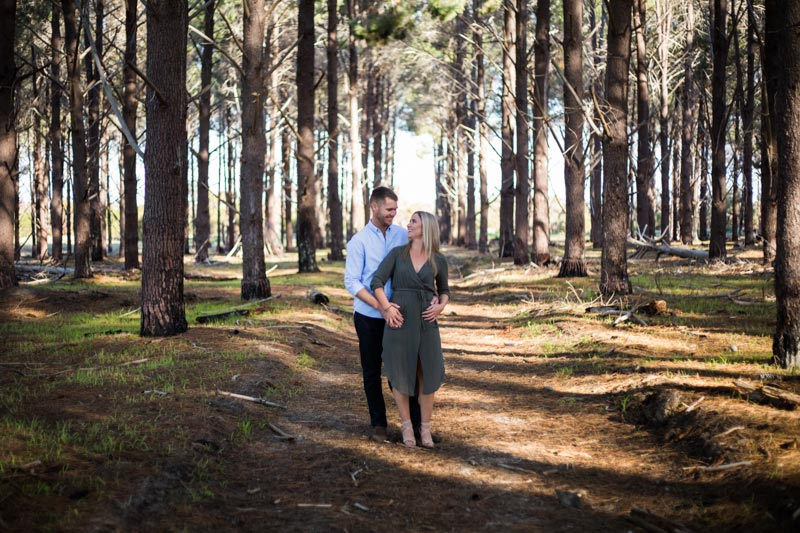 perth engagement shoot perth wedding photographers image of couple at wanneroo pines