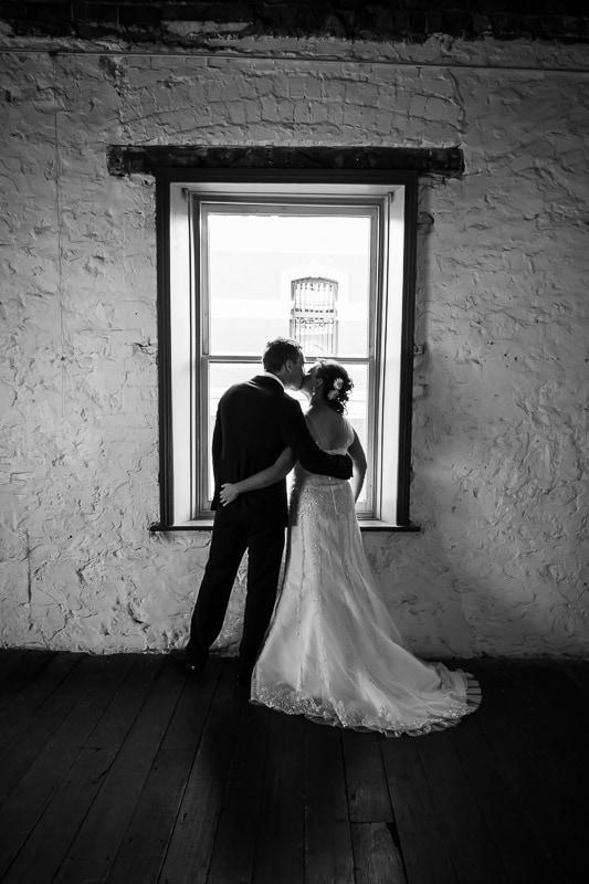 fremantle wedding photographer fremantle wedding perth wedding photographer image of bride and groom in moore and moore cafe