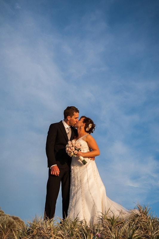 fremantle wedding photographer fremantle wedding perth wedding photographer image of bride and groom kissing