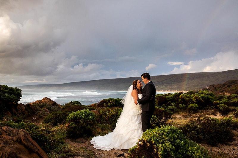 wedding planning top australian wedding blogs perth image of bride and groom on beach in yallingup