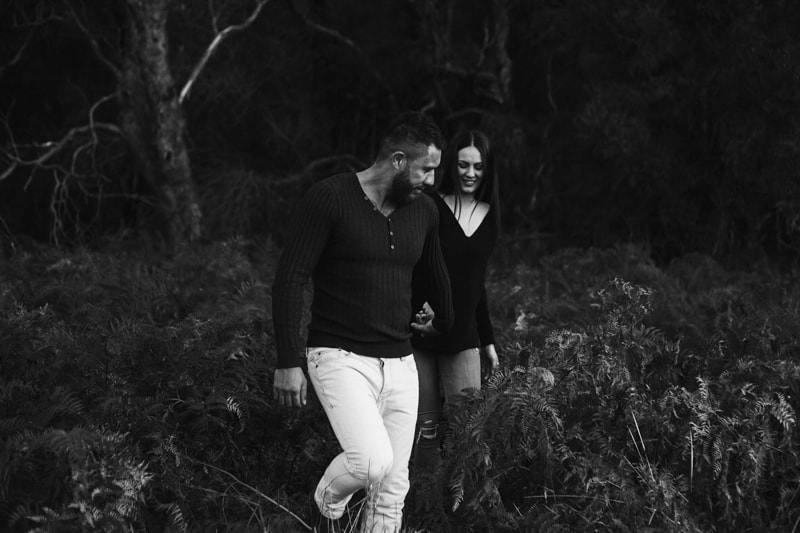 perth engagement photographer wedding photography s perth pre wedding photos perth image of couple at perth engagement shoot
